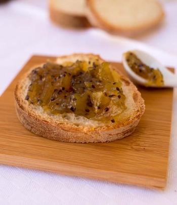 Kiwi and pear jam